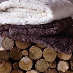 🆕Indigo Burgundy Channeled Faux Fur Throw Blanket